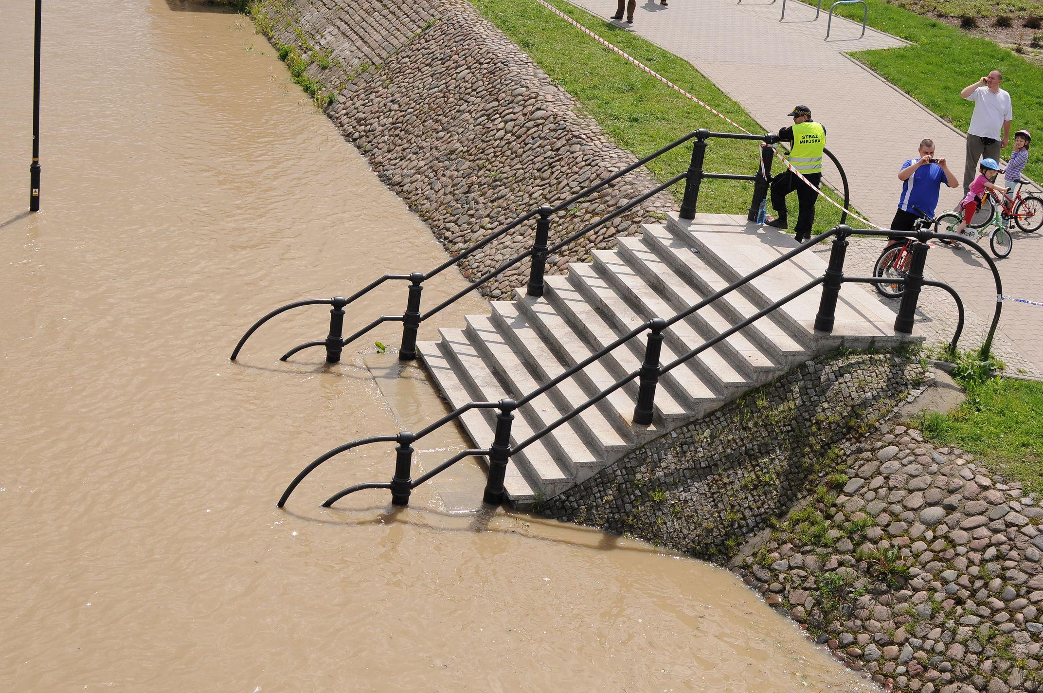2010-05-21-flood103s