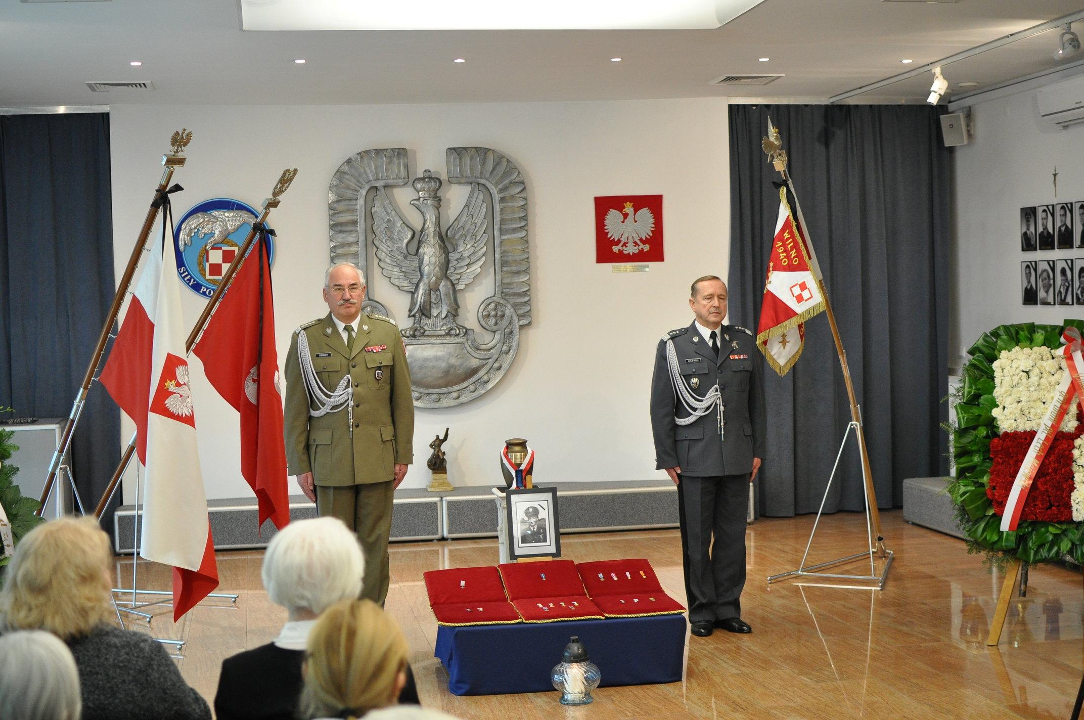 2011-11-29-sawicz155s